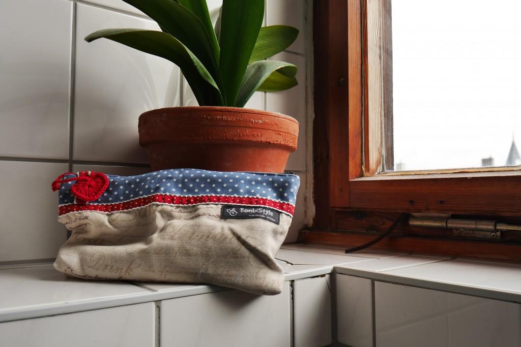 kleine waschtasche f r unterwegs bambistyle. Black Bedroom Furniture Sets. Home Design Ideas